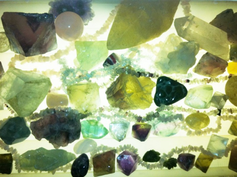 The Home Guru: Decorating with Crystals for Beauty and Energy Flow ...