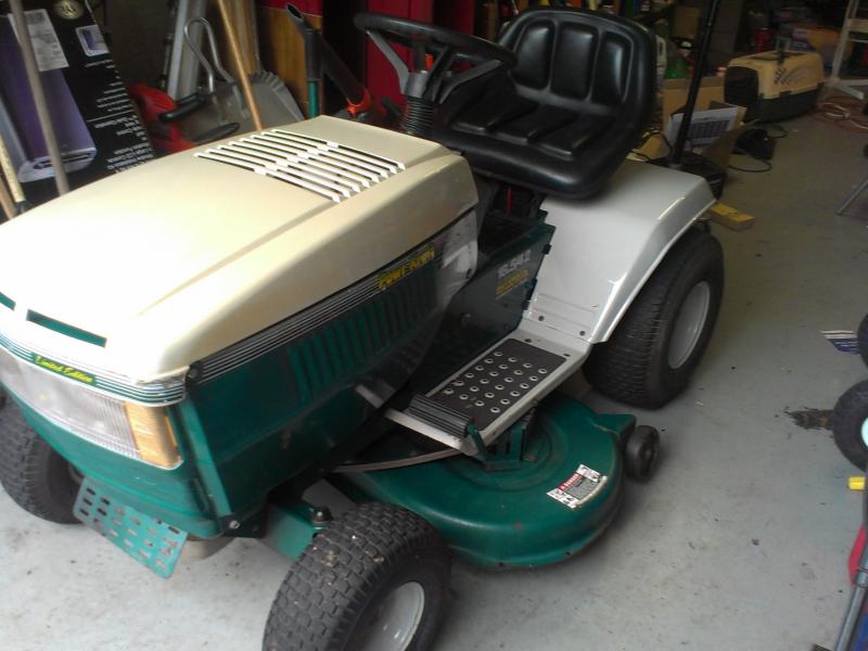 Powr Kraft Riding Lawn Mower 400