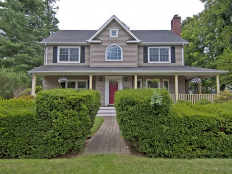 Wow house syosset colonial with wrap around porch for House with wrap around porch for sale