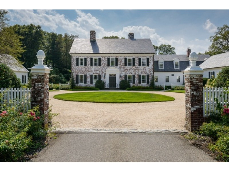 Wow House Georgian Colonial In Oyster Bay Cove