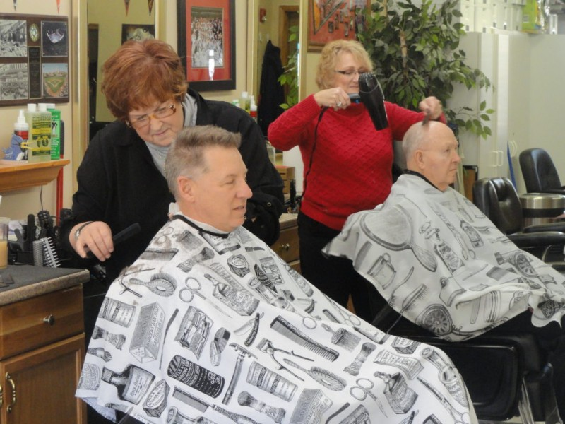 Washington Street Barber Shop Celebrates 10th Anniversary In Downers