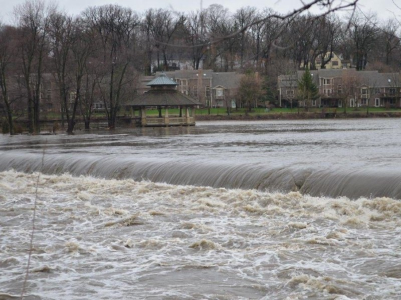 UPDATES: FOX RIVER OVERFLOWING; EVACUATIONS Encouraged ...