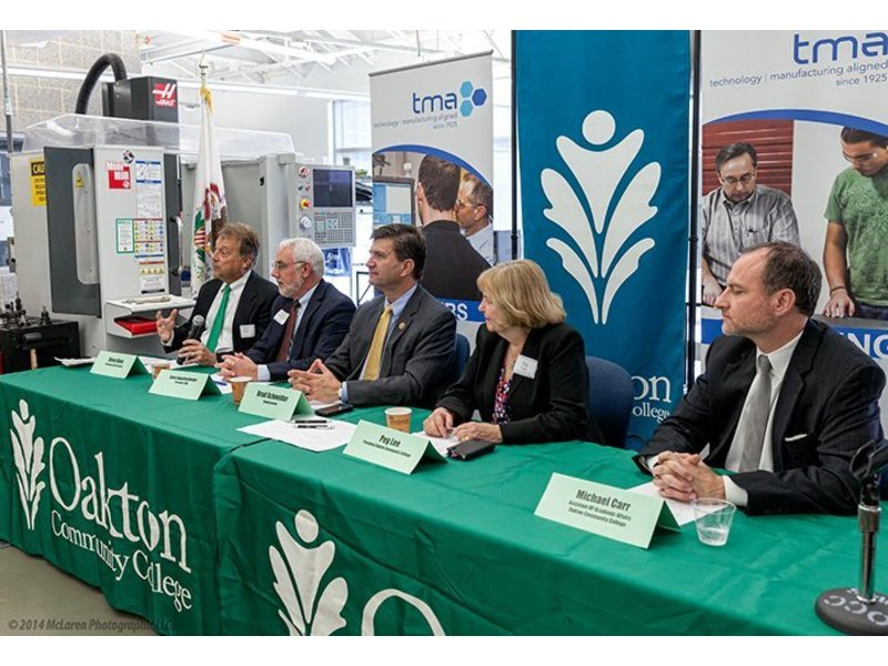 Tma And Oakton Community College Sign Make It In Manufacturing