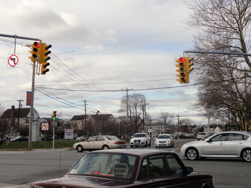 Nassau County May Raise Fees On Red Light Violations -4675