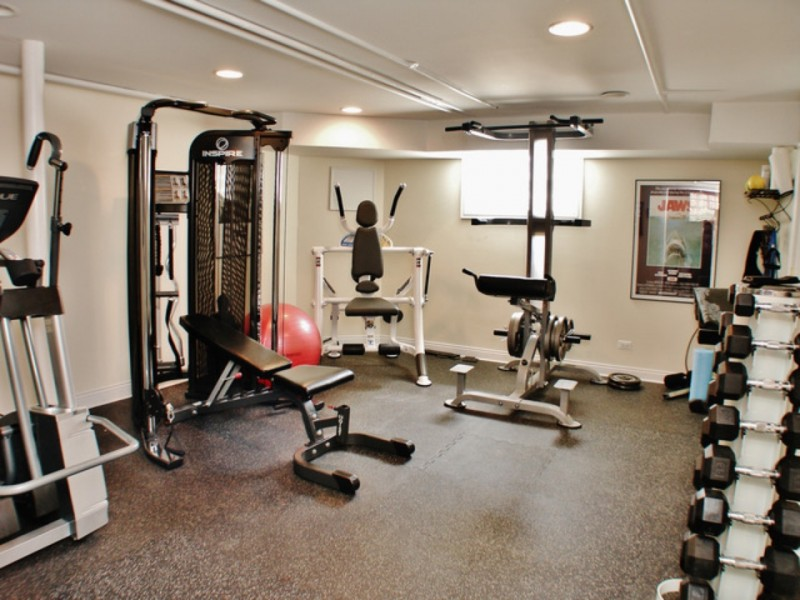 Wow house hoyne ave home with wine cooler workout room for Basement workout room
