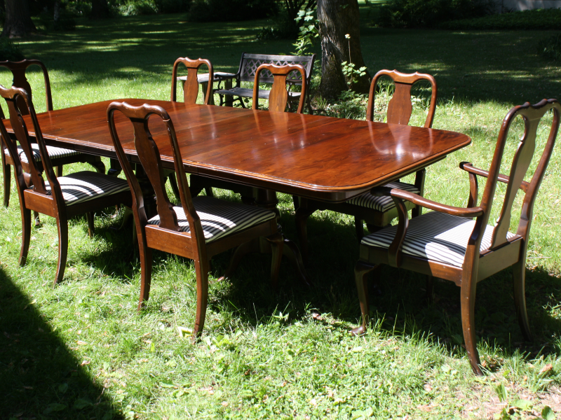 Ethan Allen Georgian Court Dining Room Table And Chairs