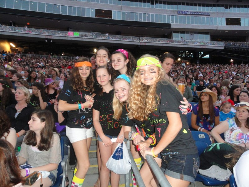 How we met taylor swift thanks to mama swift middletown ri patch how we met taylor swift thanks to mama swift m4hsunfo