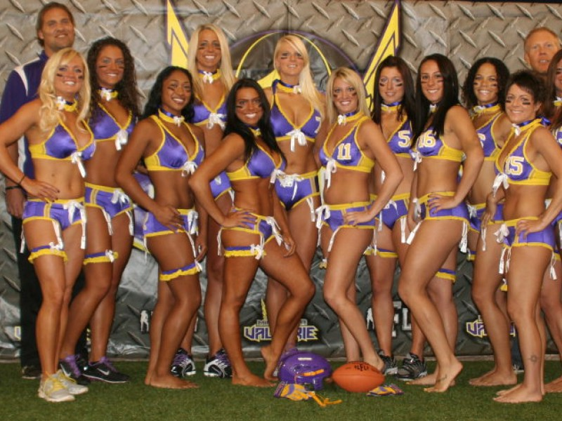 New Video Minnesota S Lingerie Football Team Huddles In