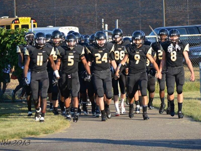 Fridley High School Football Team Faces St Louis Park Tonight