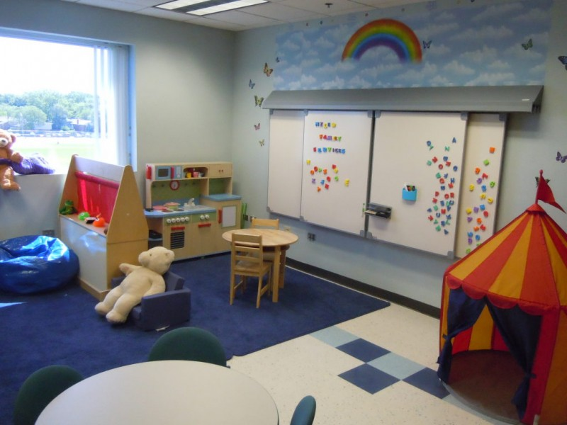 Play therapy room will help hurting kids heal niles il for Fitness 19 kids room