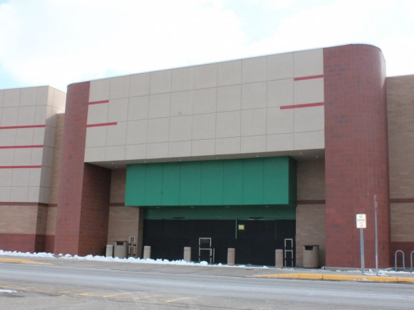 Becker Furniture World Reportedly To Fill Former Target Site