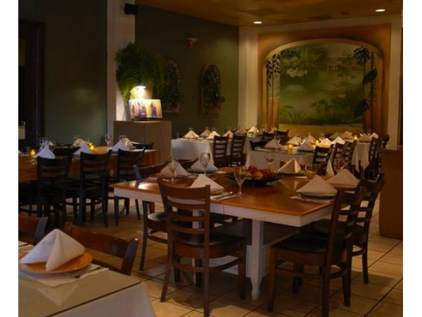 Attractive Patio Filipino Offers Spanish Flavors, Affordably Priced