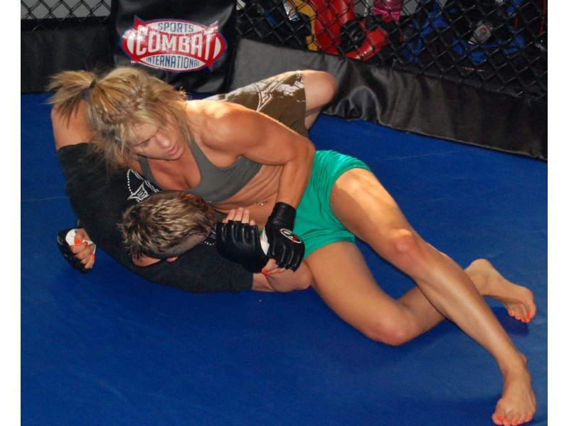 confessions of a female cage fighter