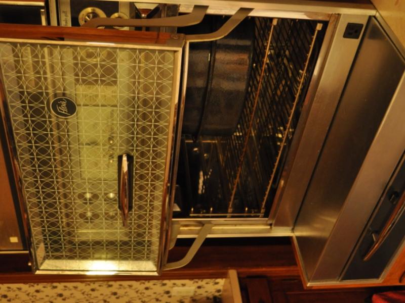 Vintage frigidaire flair custom imperial stove st louis for Flair custom homes