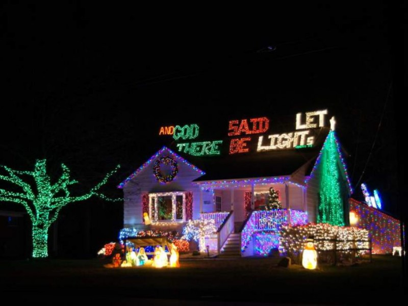 34,000 Christmas Lights Illuminate Macomb Township Family\'s Home ...