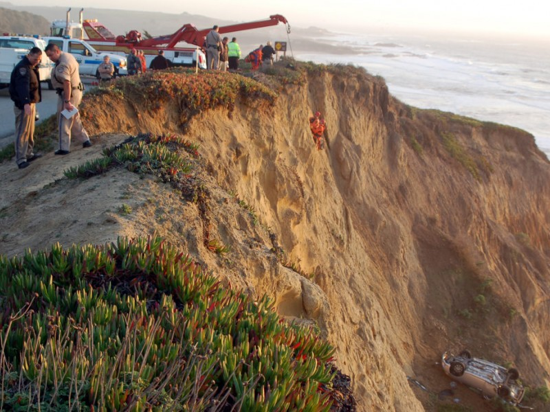 Motorcyclist Who Discovered Car Off Highway 1 in Pescadero Saw \