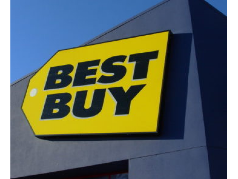 man tries to steal at best buy using tin foil - Best Buy Hours Christmas Eve