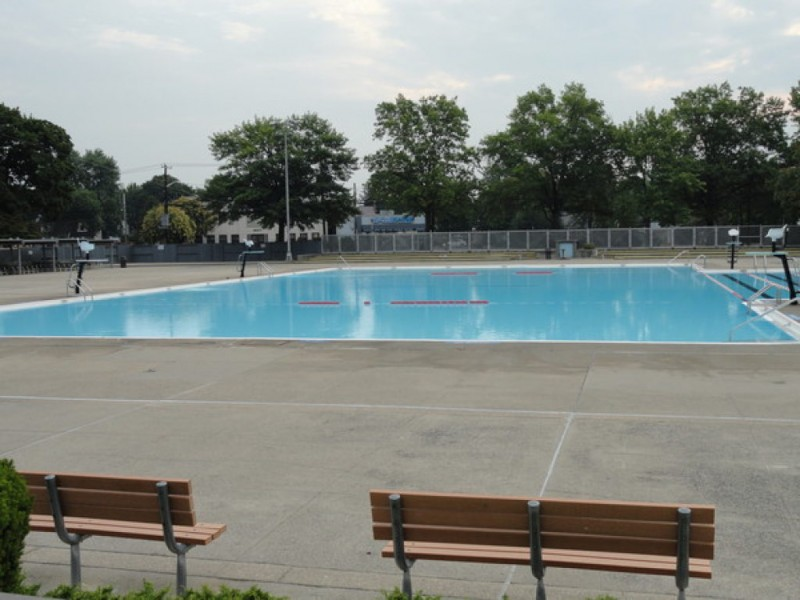 Veterans park pool opens saturday east meadow ny patch for Levittown pools swimming lessons