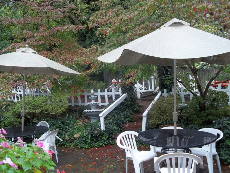 occoquan 39 s garden kitchen under new ownership lake ridge va patch