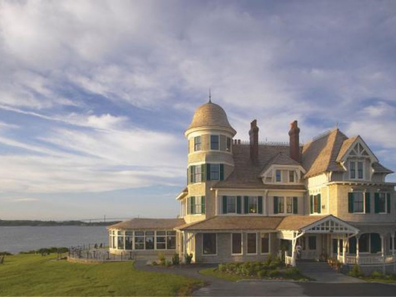 Castle hill inn is hiring and other jobs on aquidneck - Restaurants in garden city cranston ri ...