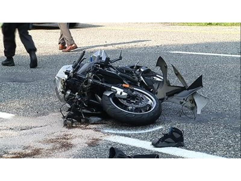 Car Accident I  Ri Sunday
