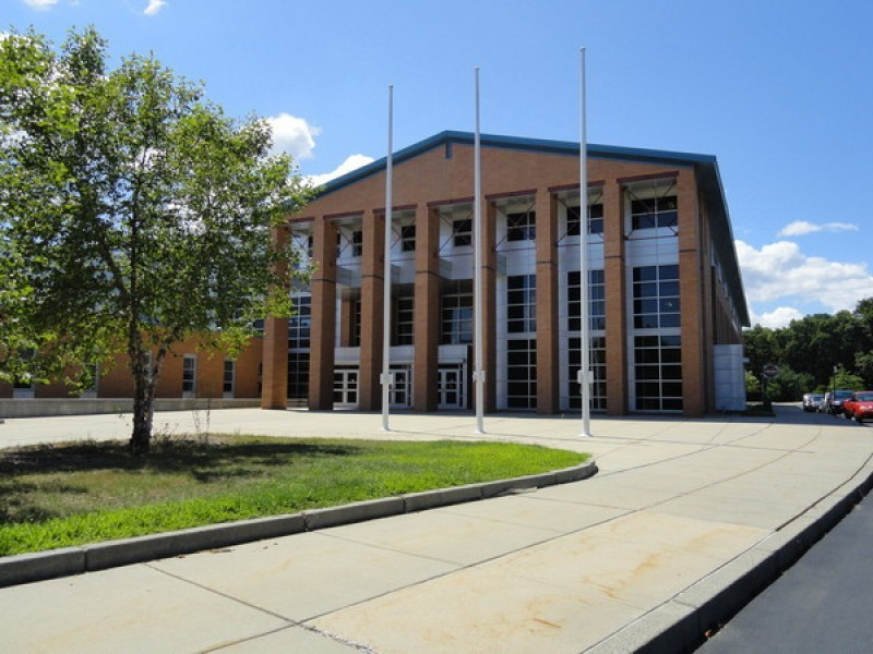 north kingstown middle eastern singles Wickford middle school in north kingstown, rhode island (ri) serves 434 students in grades 6-8 find data, reviews and news about this school.