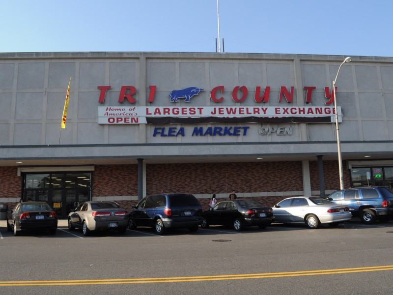 East Meadow Men Steal Over 50 000 In Earrings From Tri
