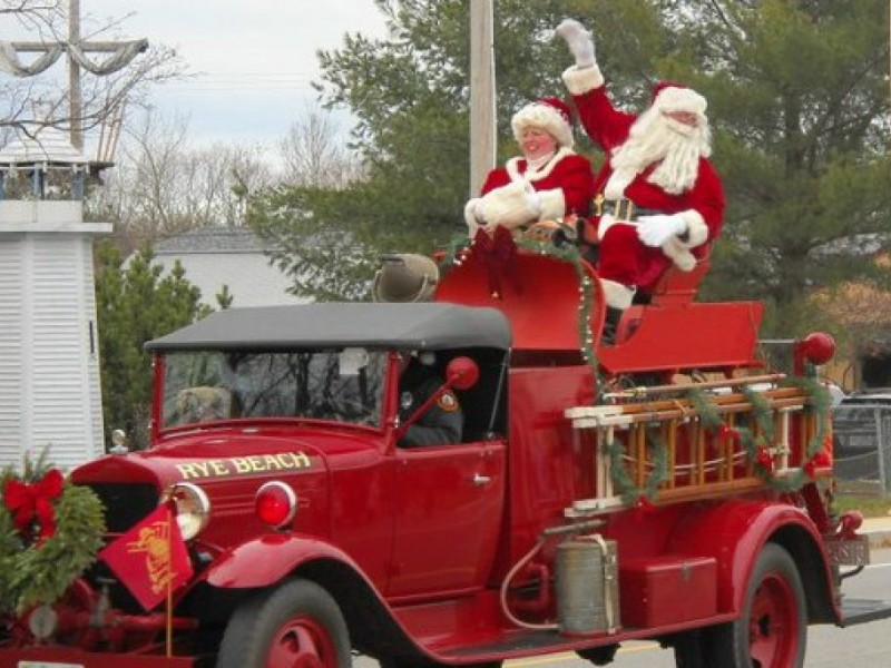 Safety\' Leads to Parade Controversy After Santa Told Can\'t Ride ...