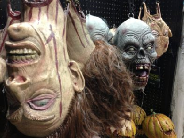 spirit halloween store is open and hiring - Ny Halloween Store