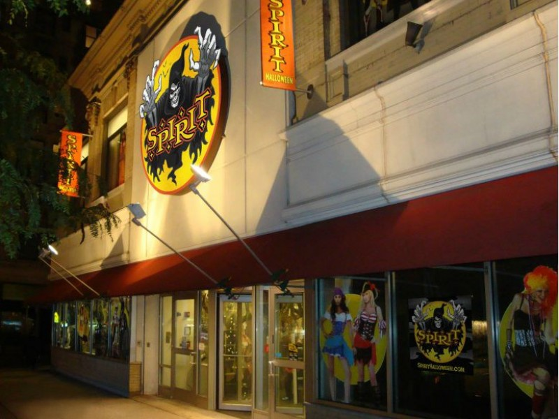 spirit halloween stores open in fredericksburg