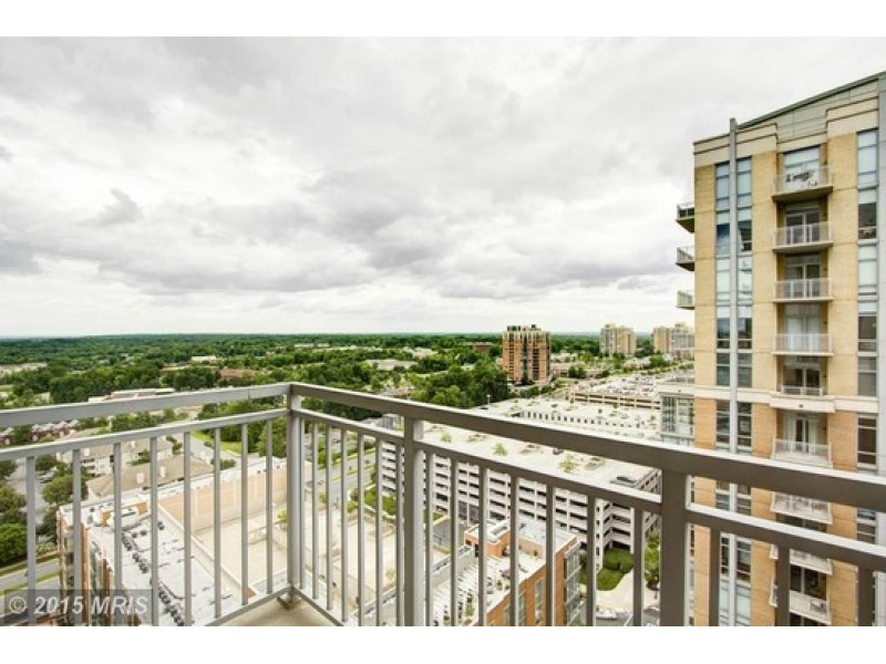 ... Look Inside $1.3M Reston Penthouse 0 ...
