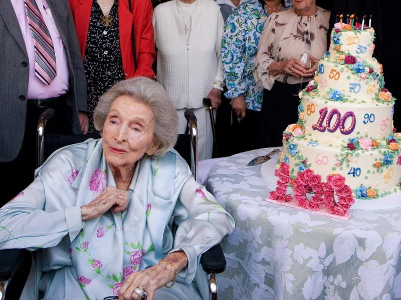Echo Lake Ca >> Dolores Hope, Widow of Bob Hope, Dies at 102 | North ...