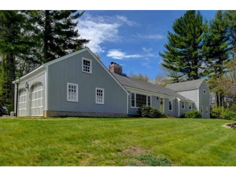 New houses duplexes for sale in bedford bedford nh patch for Home builders in nh
