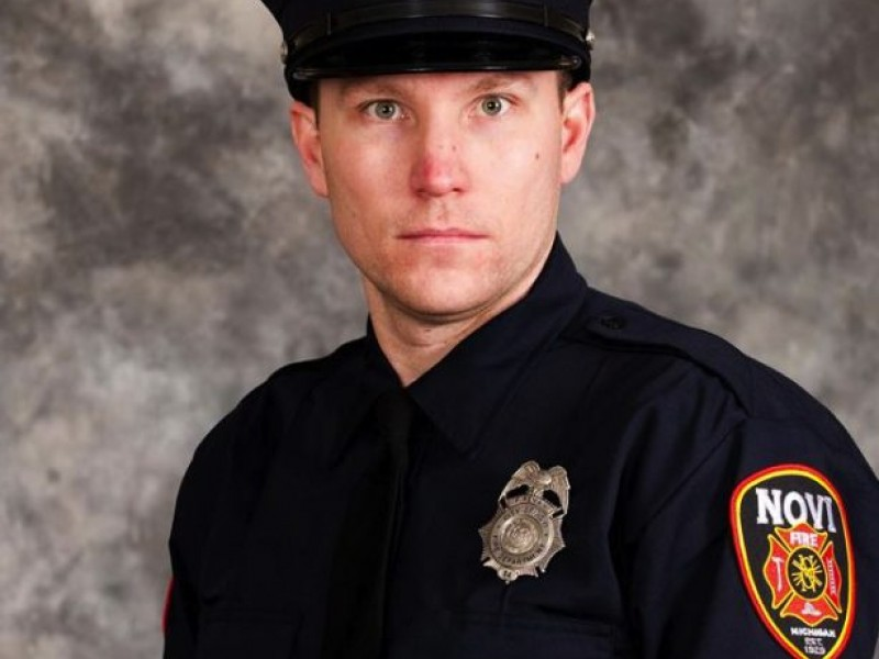 Novi names police officer fire fighter of the year novi - Garden city michigan police department ...
