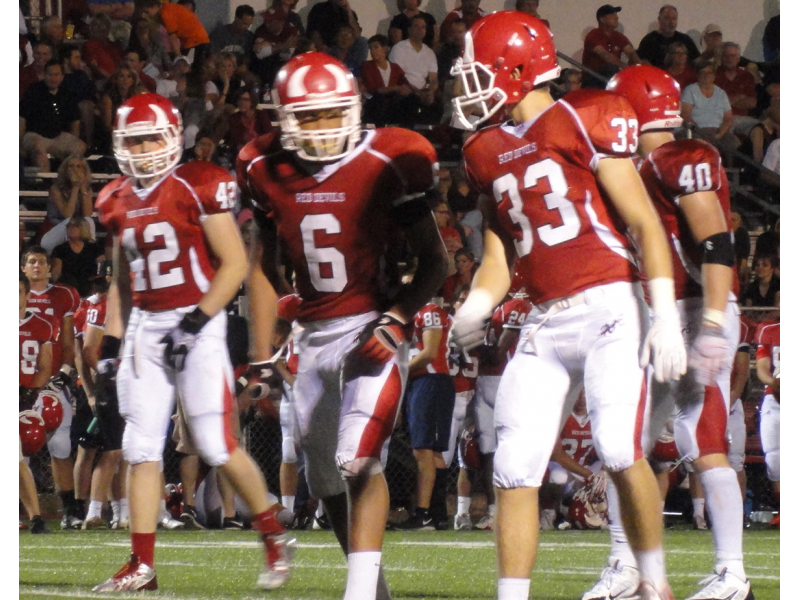 Football Hinsdale Central Tops Proviso West For 3rd Straight Win