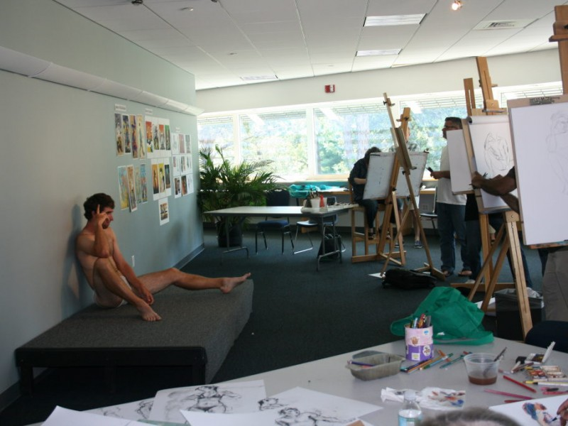Acclaimed Artist And Teacher Leads Figure Drawing Class