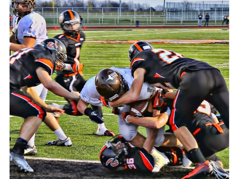 5a Football Jca Staves Off Lincoln Way West 21 20 In