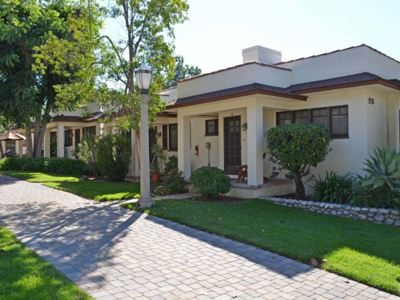The Bungalows Of Myrtle Court Monrovia Ca Patch