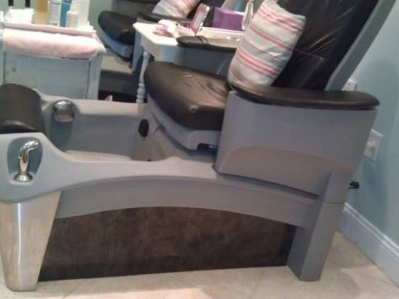 Craigslist Finds: Pedicure Chair For Sale   Amherst, NH Patch
