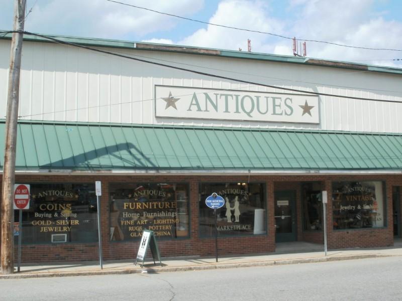 Putnam's Antique Shops: A Treasure Hunters Delight ...