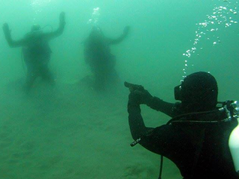 Sheriff S Department Excites Online Aunce With Underwater Photo