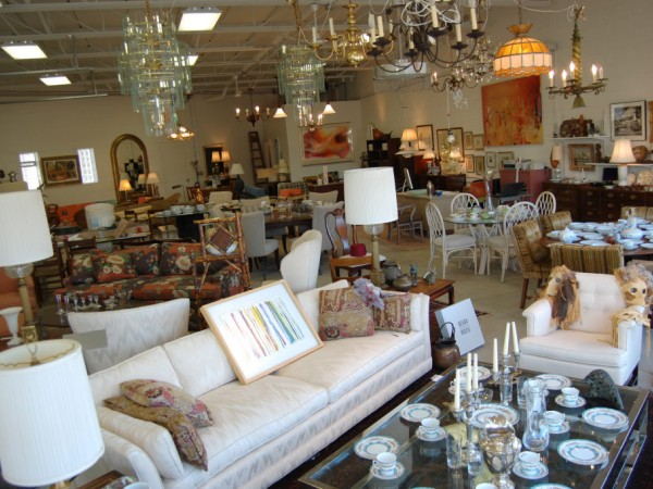 Royal Oak Home Furnishings Consignment Store  Pops Up  in Farmington Hills. Royal Oak Home Furnishings Consignment Store  Pops Up  in