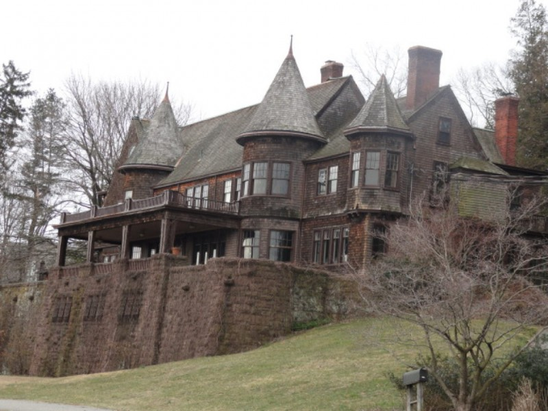 Historic oradell mansion purchased for 100 at auction for 35 mansion terrace cranford nj
