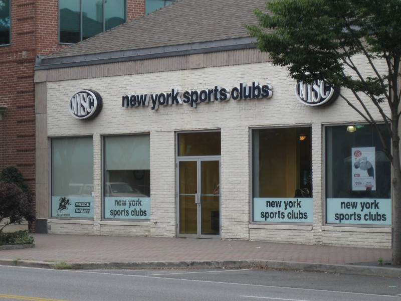 Delicieux ... Surveillance Nabs Credit Card Thief At New York Sports Club 0 ...