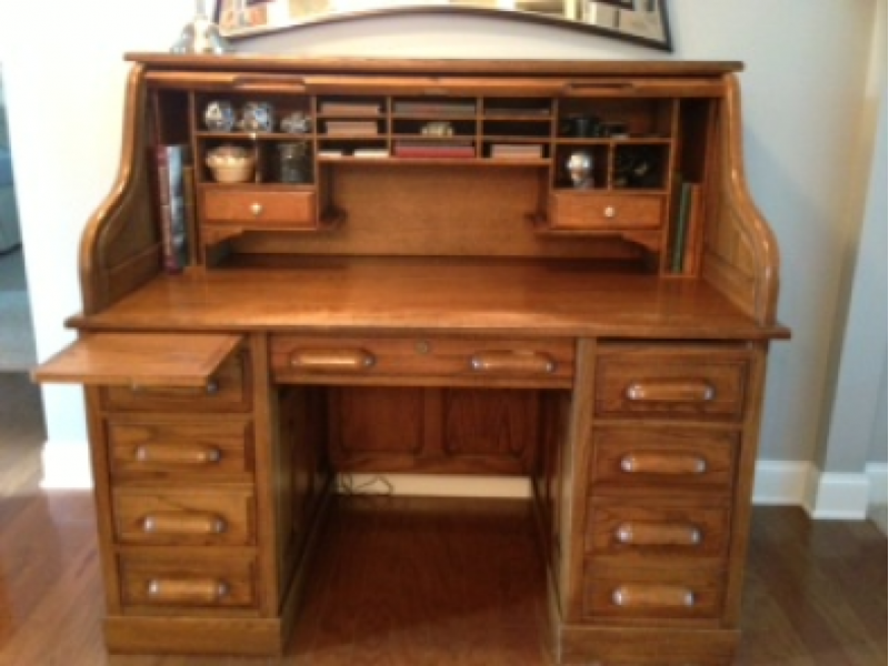 Loaded Grand Cherokee, Vintage Desk And Chairs, And More