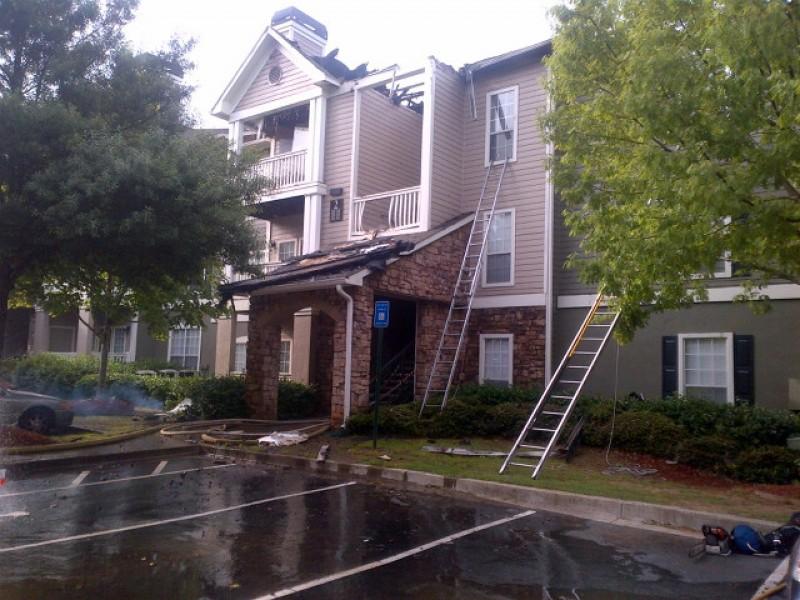 Gwinnett Apartment Fire on 3rd-Floor Balcony Damages 21 ...