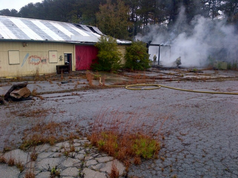 Pike Nursery Near Me: Roof Collapses During Fire At Former Pike's Nurseries