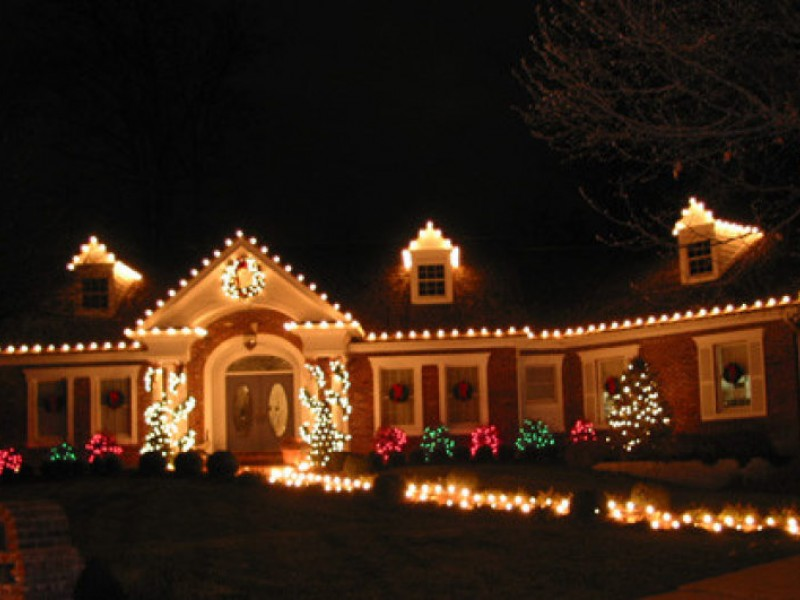 Hanging with Holiday Outdoor Decorating Services | Eureka, MO Patch