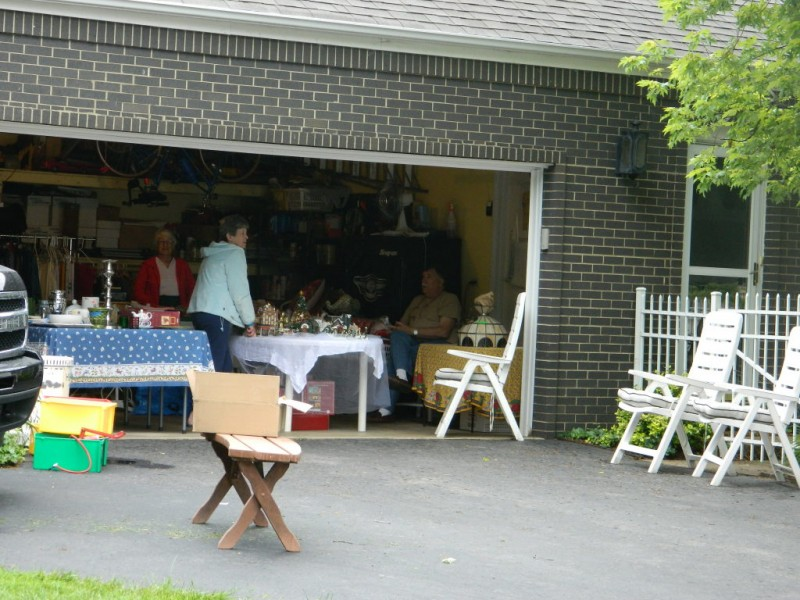 ... Massive Ridgewood Garage Sale Draws In Bargain Hunters 0 ...