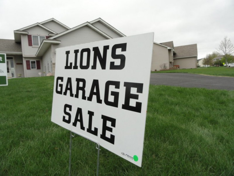 Help Your Neighbors: Tips for Holding a Garage Sale in Woodbury ...
